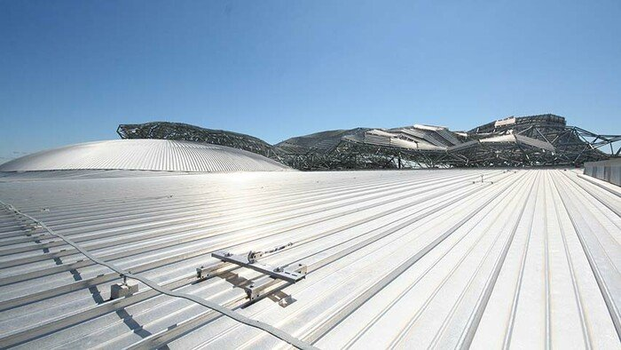 ABS-Lock Falz IV installé sur un toit à joint métallique